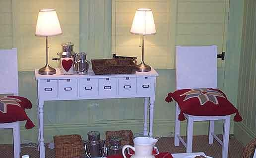 new-england-style-folk-furniture