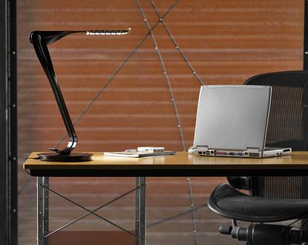 yves-behar-led-leaf-light-for-home-office-desk-picture