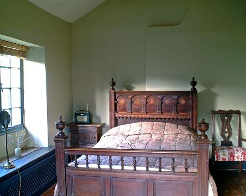 Interior Bedrooms Old English Cottage Design