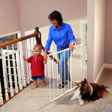baby-safety-gate-stairs