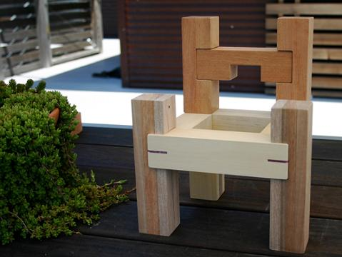 wood-chair-made-from-blocks